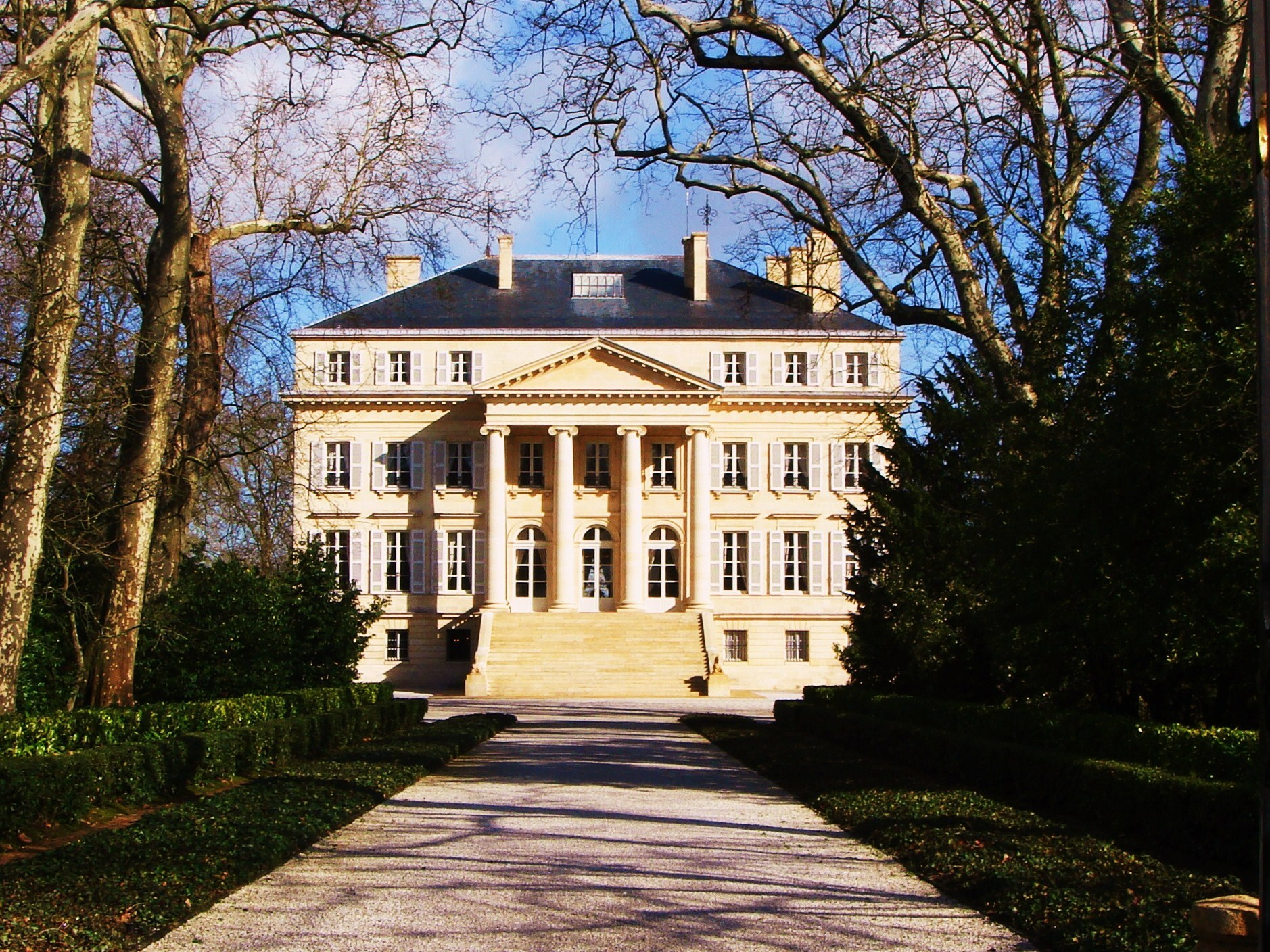 Chateau Margaux ext - Copy